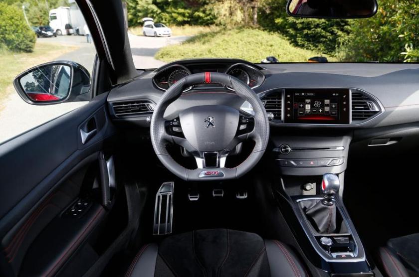 Peugeot 308 gti puesto de mando