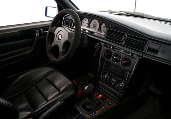 Mercedes 190 2.5 16v EVO II habitáculo
