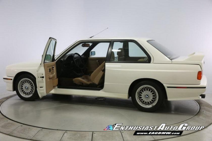 BMW M3 e30 puesto en venta por 200000 dolares