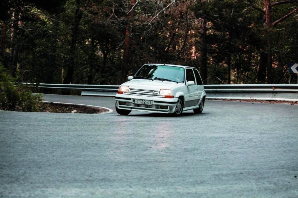 """Renault 5 GT TURBO: """"El coche que marco unaépoca"""""""