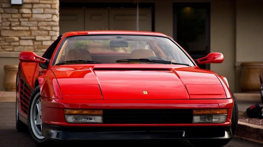 Ferrari Testarossa vista frontal