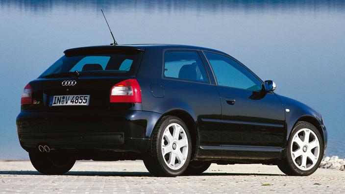 Audi S3 8l parte trasera
