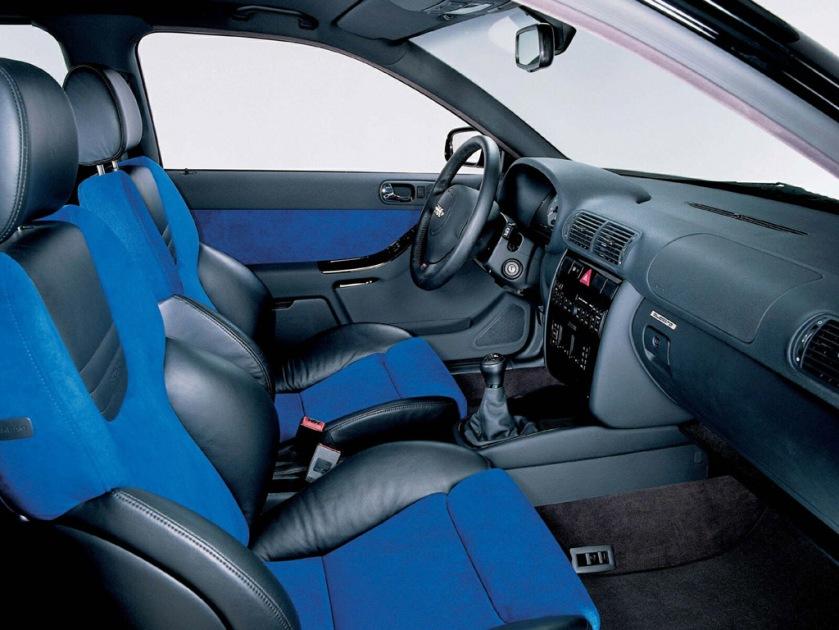 Audi S3 8l habitáculo