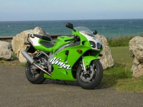 Kawasaki zx-7r, superbike deraza