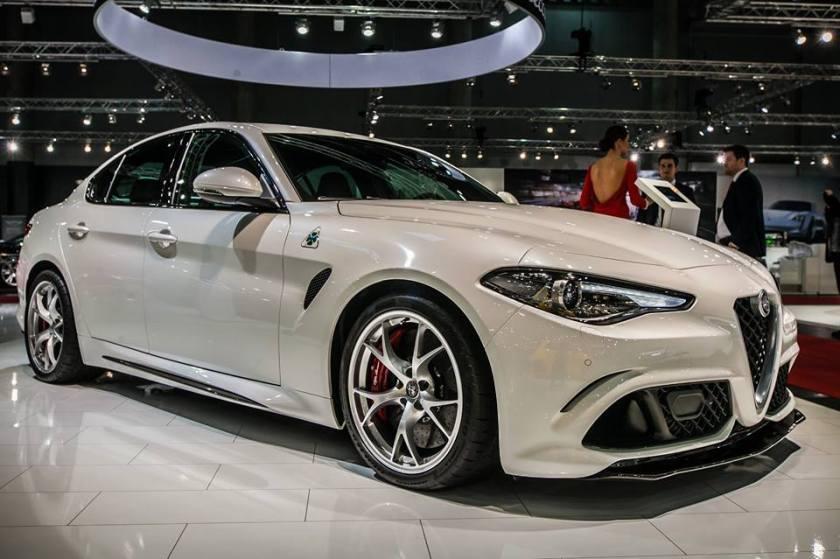 Alfa-Romeo-Giulia-Quadrifoglio-6