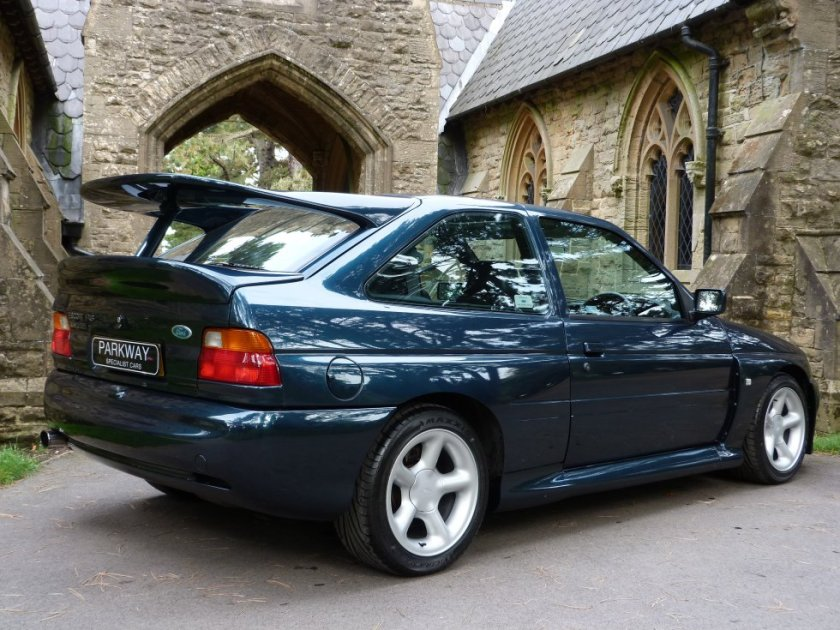 Ford Escort RS Cosworth parte trasera