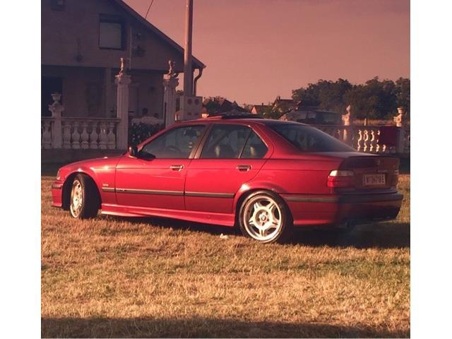 BMW serie tres e36 berlina 2
