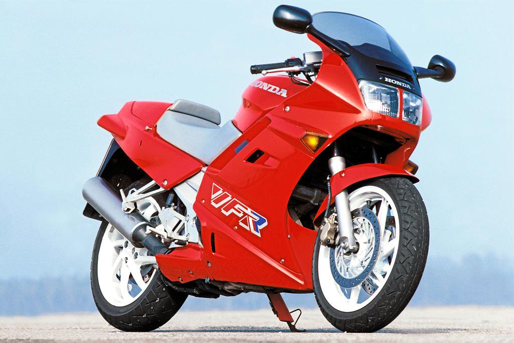 Honda VFR 750 RC-36: Buqueinsignia