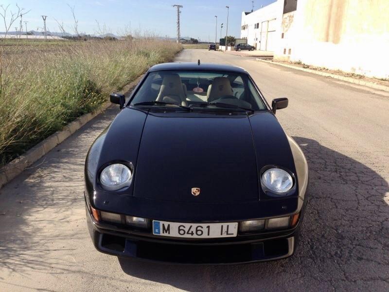 Porsche 928S parte delantera