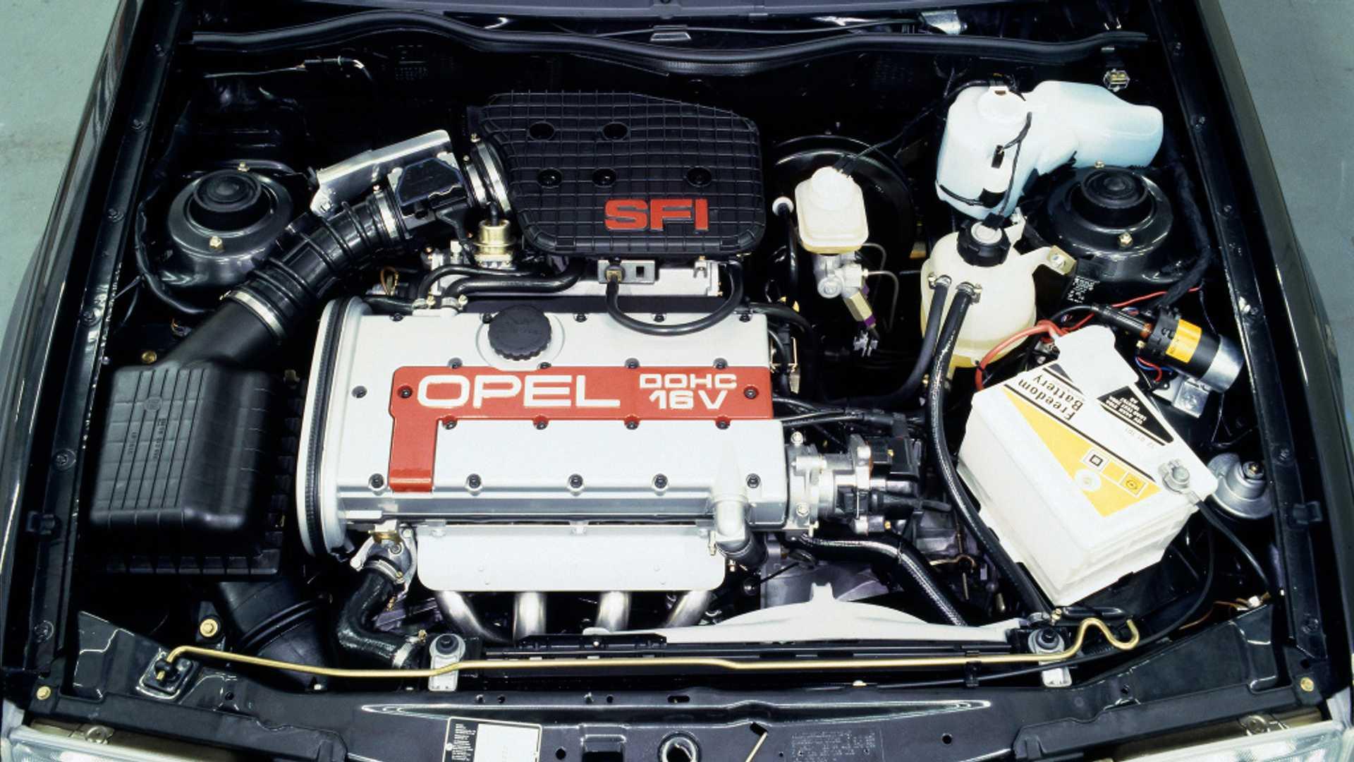 Opel Kadett GSi 16 válvulas mecánica